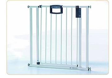geuther 4782 metall t rschutzgitter easy lock baby. Black Bedroom Furniture Sets. Home Design Ideas
