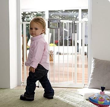 geuther 4783 metall treppenschutzgitter easy lock baby. Black Bedroom Furniture Sets. Home Design Ideas